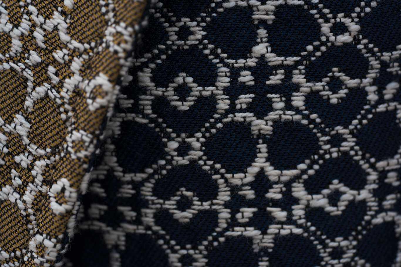 detalle tejido maxi chaleco mango