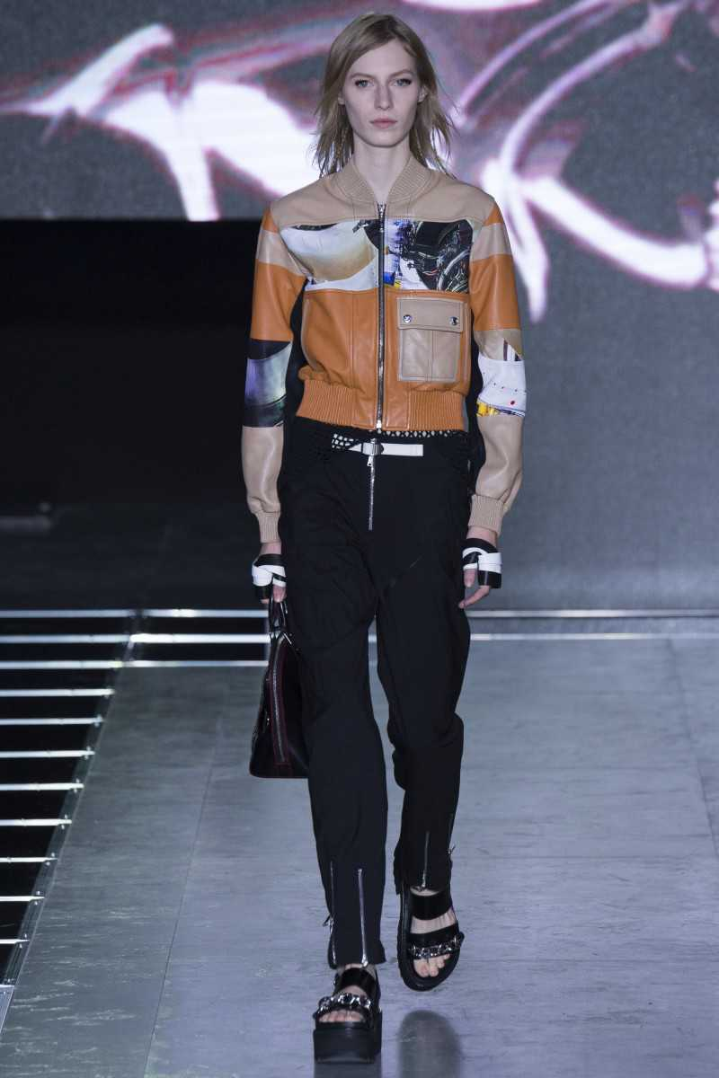 Bomber de piel de Louis Vuitton
