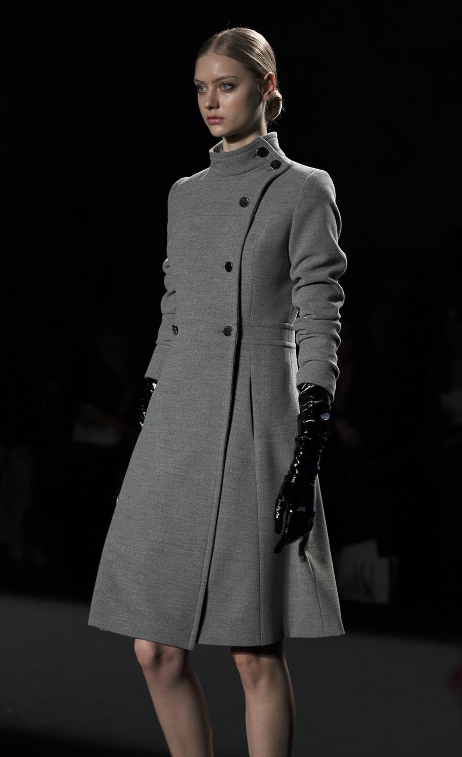 Abrigo tipo miliar gris