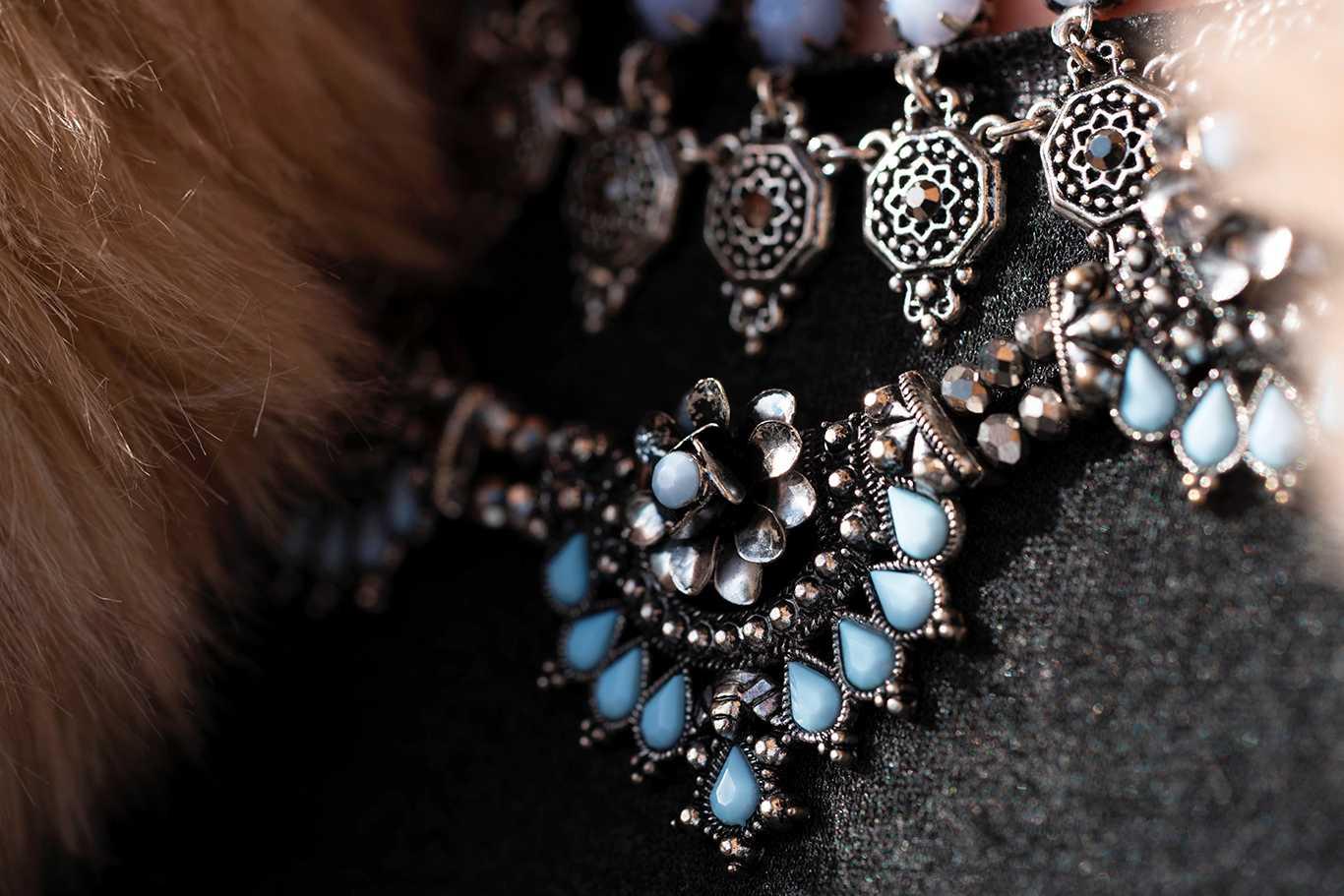 detalle maxi collar