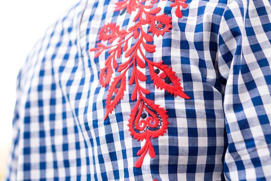 Camisa con Flores