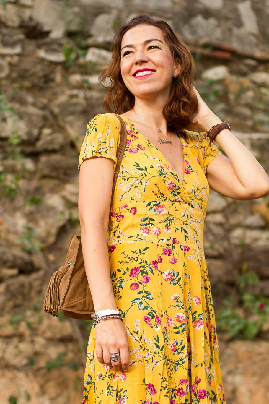 vestido amarillo de flores