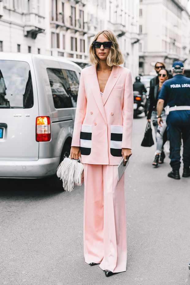 traje-de-chaqueta-de-color-rosa