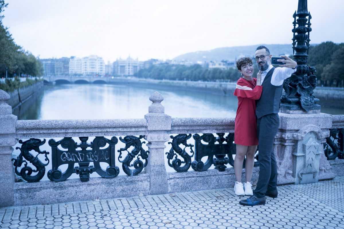 travel-influencers vestido rojo