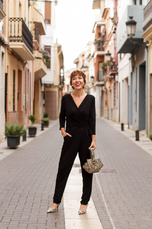 fashion-blogger mono negro