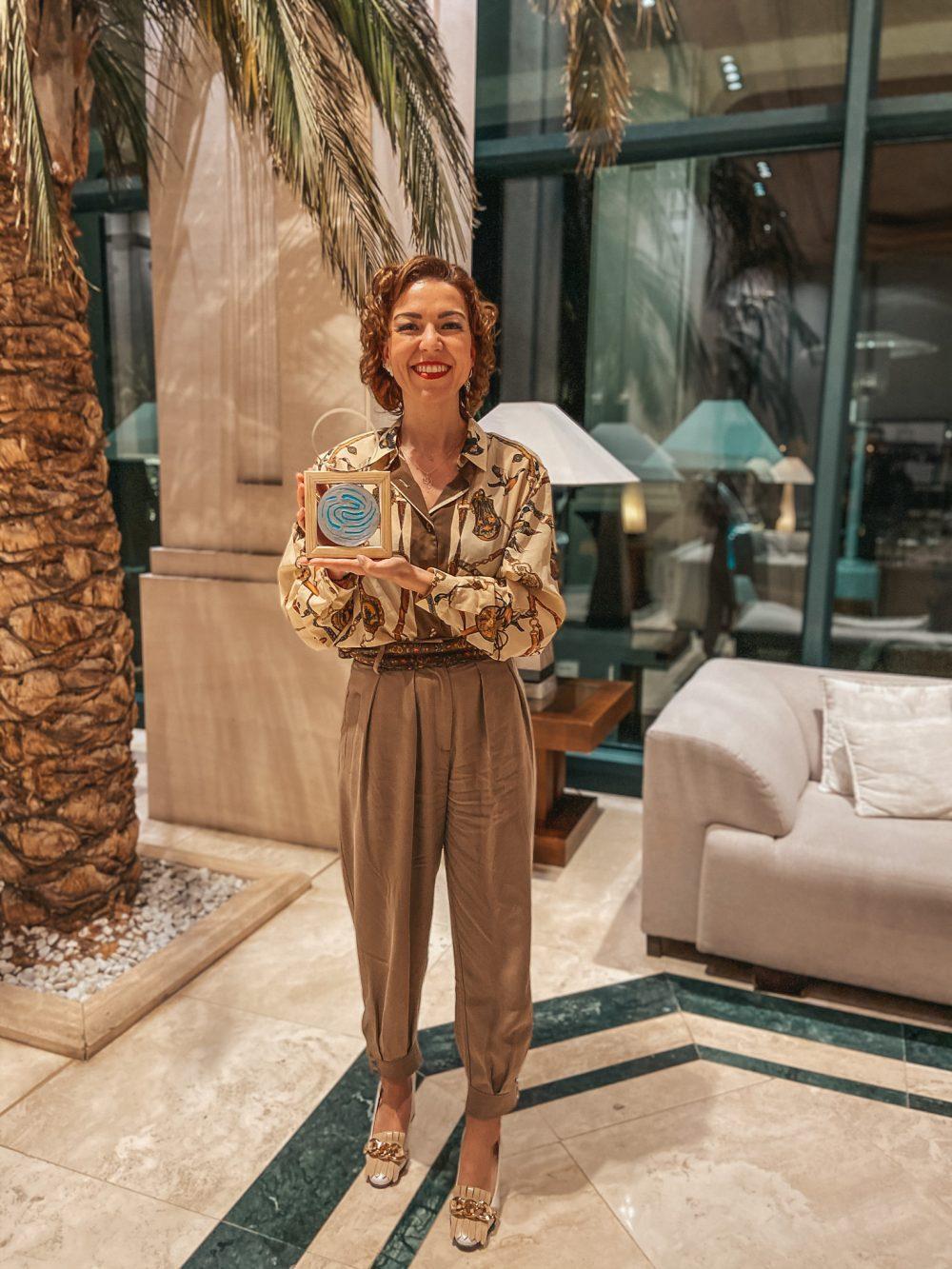 premio mujer solidaria y emprendedora